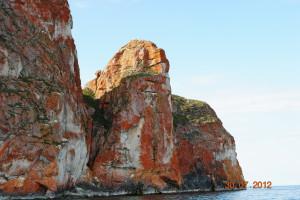 Ольхон, цветные скалы