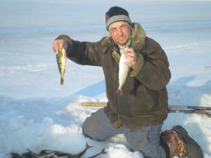 Апрельский подлёдный лов рыбы