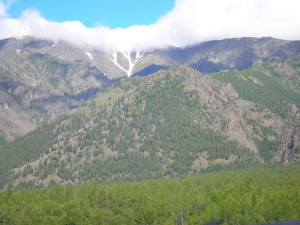 Горы уходят дальше