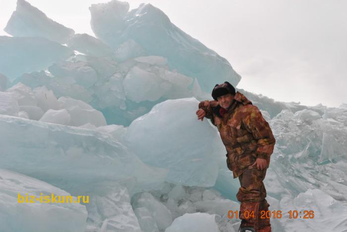 Подлёдная рыбалка на Байкале 12