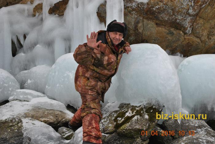 Подлёдная рыбалка на Байкале 7