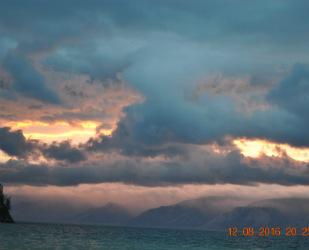 Потрясающий закат на Байкале