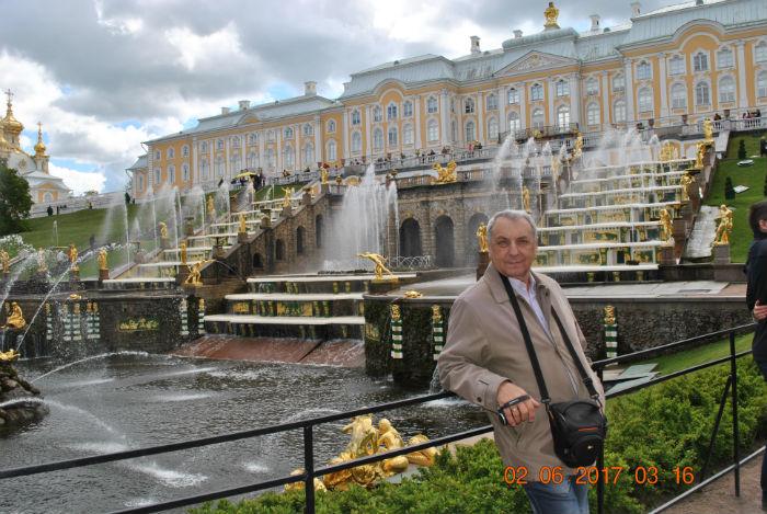 Петергоф у главного фонтана