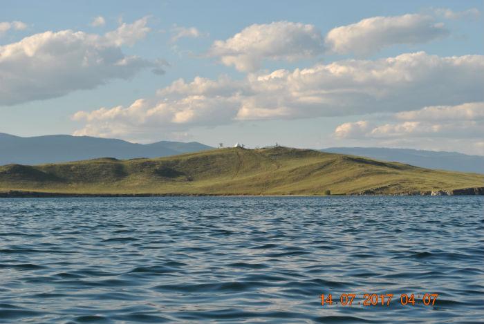 Остров Огой и ступа